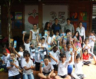 Foto: Doação de materiais escolar por meio do Instituto Federal